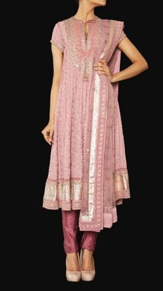 Shop for Indian contemporary outfits at Ritu Kumar, an online fashion store for designer sarees, wedding lehengas, latest designer suits, kurtis and designer bags. Indian Suits, Indian Attire, Indian Dresses, Indian Wear, Indian Clothes, Biba Fashion, Indian Fashion, Purple Suits, Ritu Kumar