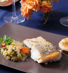 Restaurante A mesa Puesta:  Suprema de Merluza sobre panaché de verduras