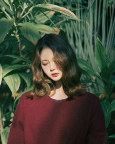 Wavy hair and green leaves Bora Lim, Ulzzang Makeup, Asia Girl, Ulzzang Girl, Look Fashion, Pretty People, Asian Beauty, Korean Girl, Hair Inspiration