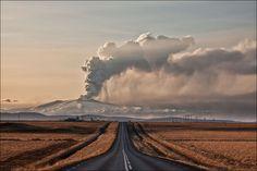 "pedalfar: 500px / Photo ""The Volcano That Stopped Britain"" by Gunnar Gestur Geirmundsson"