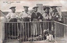 Trajes típicos de Aveiro (Portugal) cerca de 1910