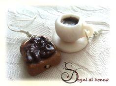 Chi vuole un caffè?    ART.FO.C36: Orecchini fetta biscottata e caffè.   DIMENSIONE CIONDOLI: 1,5 circa;  LUNGHEZZA ORECCHINI: 3 cm.