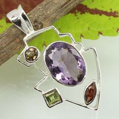 Started in SUNRISE JEWELLERS (Indian Silver Jewellery Us has flourished into one of the top manufacturers & exporters for gemstone studded silver jewelry & Sterling silver jewelry without gemstones. Amethyst Pendant, Amethyst Gemstone, Silver Jewellery Indian, Sterling Silver Pendants, Natural Gemstones, Jewelry Gifts, Best Gifts, Stylish, Diamonds