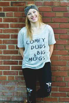 Comfy Duds Big Mugs Slouchy Tee by Gravel Road Tees in Still Rad Bees Knees leggings. Perfect comfy tee for the coffee drinker in your life #momlife