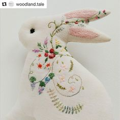 "204 Likes, 1 Comments - Babi Bernardes (@bordados_e_bordadeiras) on Instagram: ""@woodland.tale #broderie #bordado #embroidery #ricamo #handembroidery #needlework"""