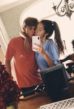 Čia galėtumėm būt mes, bet neturim iphono x. I Have A Boyfriend, Wanting A Boyfriend, Boyfriend Goals, Future Boyfriend, Cute Couples Photos, Cute Couple Pictures, Cute Couples Goals, Couple Goals, Couple Photos
