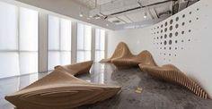 """Bancos escultóricos""""Sculptural Benches"""" - para escritório em Beijing, China  Design:dEEP Architects"""