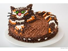 A kitty cake for your little cat lover.