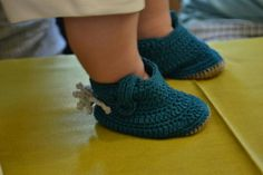 Slippers, Shoes, Fashion, Moda, Sneakers, Shoe, Shoes Outlet, Fashion Styles, Slipper