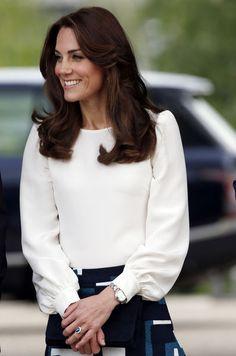 Quand il faut frapper fort, elle n'hésite pas. La duchesse de Cambridge, née Kate Middleton, a enfilé ce lundi des gants de boxe pour mieux faire pass...