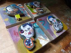 J'ai laissé les quelques grigris qu'il me restait sur mon CSASHOP en ligne sur etsy, l'essentiel de ma collection étant actuellement présenté à la Galerie Atelier Pièce Unique dans les Yvelines, en banlieue parisienne. Je commence à songer à mes expositions...