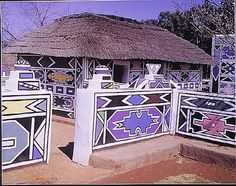 Africa Painted Houses- AMAZING Pretoria, Rendering Art, Thatched House, How To Make Drawing, Felt Material, Unusual Homes, Bizarre, Out Of Africa, Good House