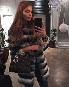 Image in Russian Girls 2017 collection by ♔ KSENIA ♔ Chinchilla Fur Coat, Fox Fur Coat, Lux Fashion, Girl Fashion, Fashion Outfits, Fur Coat Fashion, Glamour, Rich Girl, Selfie
