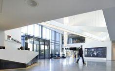 Aker Solutions - Prosjektering og innredning av kontor på Fornebu - Areal: 23000 m2 - Ferdigstilt: 2012  interiørarkitekt Scenario