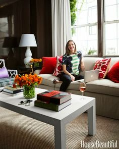 Fabulous Room Friday 04.25.14 | Lilly Bunn via House Beautifu  lCOLOR OF THE PILLOWS