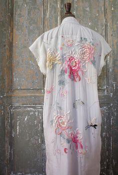F L o R A, 1900s JAPONISME-LIBERTY handmade silk dressing gown. via Etsy.