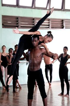 The National Ballet School, Havana, Cuba. I was able to see a performance by the NBS when I visited Cuba in Shall We Dance, Lets Dance, Modern Dance, Dance Photos, Dance Pictures, A Well Traveled Woman, Black Ballerina, Ballet School, Ballet Class