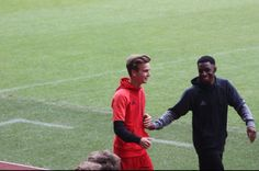 Joking about with @Tobjizzle congrats on a milli on insta mate