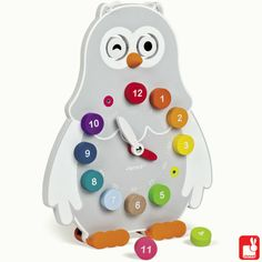 What's the time? Om te leren klokkijken, zo leuk!  This cute owl clock from Janod will help little ones learn to tell the time as one side features removable numbers and the other has a chalk board ready for them to fill in the hands. Children can also choose between closed and open eyes for day and night. Finished with a carry handle, so it can be hung in the nursery or easily transported