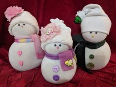 Make a Family of Sock Snowmen. 7 - 9 dollars each (Personalized) Items similar to Cute Sock Snowmen on Etsy Instant Access To Woodworking Designs, DIY Patterns & Crafts Sock Snowman Craft, Sock Crafts, Snowman Crafts, Felt Crafts, Holiday Crafts, Snowman Christmas Ornaments, Christmas Art, Christmas Decorations, Sock Dolls