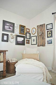 DIY corner gallery wall {with making no holes in the wall!}
