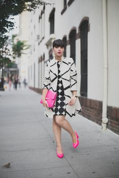 Prints in street style. Nice contrast colors here. Very professional, yet edgy and chic. Takes a bold personality to rock this one.