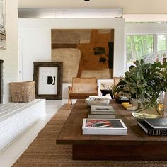 Inspirational ideas about Interior Interior Design and Home Decorating Style for Living Room Bedroom Kitchen and the entire home. Curated selection of home decor products. Home Design, Home Interior Design, Interior Architecture, Interior Decorating, Salon Design, Diy Decorating, Origami Architecture, French Interior, Decorating Websites