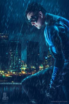 Character: Nightwing (Dick Grayson) / From: DC Comics 'Nightwing' & 'Tales of the Teen Titans' / Cosplayer: Handsome Jordan Cosplay / Photo: David Love Photography (truefd) Nightwing Cosplay, Nightwing And Starfire, Catwoman Cosplay, Dc Cosplay, Male Cosplay, Best Cosplay, Awesome Cosplay, Cosplay Ideas, Marvel Comic Character