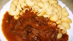 Nejprve si nakrájíme hovězí maso na kostky, které pokapeme olejem a promícháme s kořením. Dáme aspoň na půl hodiny odležet do lednice. Cibuli... Food 52, Stew, Chili, Treats, Nova, Roast, Cooking, Fennel, Goulash