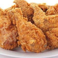 Receta de pollo frito estilo Kentucky - Male Tutorial and Ideas Pollo Frito Estilo Kentucky, Pollo Recipe, Comida Diy, Pollo Chicken, Pollo Kfc, Kentucky Fried, Fried Chicken Recipes, Crispy Chicken, Tasty