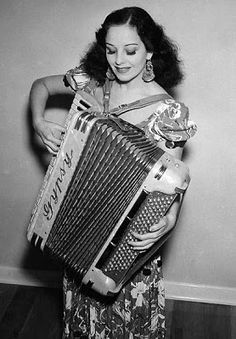 Accordian girl.  I would like this to be me☺