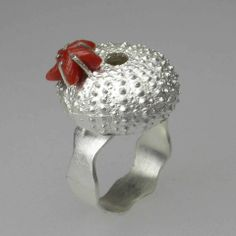 Ring | Aline Kokinopoulos.  Silver and coral.