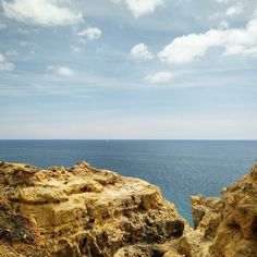 Sometimes you have to draw a line... #temptation #jump #dive #waterside #horizon #algarve #atlantic #ocean #sailboat #nowyousseitnowyoudont #cliffs #skyline #clouds #cloudgramin #landscape_lovers #naturelovers #outdoors #hiking #hikestagram #Karakter by edman964