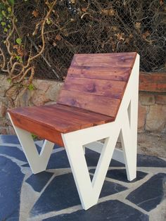 From a pallet Recycled Furniture, Handmade Furniture, Pallet Furniture, Home Furniture, Pallet Chair, Diy Chair, Recycled Pallets, Wood Pallets, Muebles Living