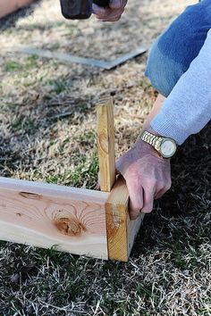 How to build your own raised flower/vegetable bed - this is the tutorial I used to build my garden last year (thepioneerwoman.com)