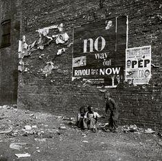 """No Way Out"", New York City, c.1950-51,  © Bedrich Grunzweig Photo Archive"