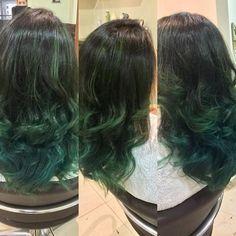 Τιρκουάζ ή πρασινο; Αυτά συμβαίνουν όταν δεν μπορείς να αποφασίσεις! Long Hair Styles, Beauty, Long Hair Hairdos, Cosmetology, Long Hairstyles, Long Haircuts, Long Hair Dos