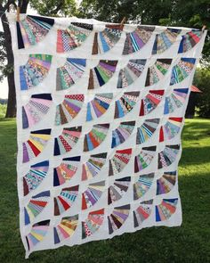 Vintage Quilt Top  Grandmother's Fan Pattern  1940's 1950s Feedsack Fabric Prints, Solids Cotton  Muslin