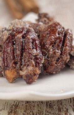 Keto pecans that are a MUST try! These keto cinnamon sugar pecans are amazing! Such a great treat on a ketogenic diet. Sugar Coated Pecans, Cinnamon Sugar Pecans, Low Carb Keto, Low Carb Recipes, Cooking Recipes, Cinnamon Swirl Pancakes, Fat Bombs Low Carb, Low Carb Sweets, Ketogenic Diet For Beginners