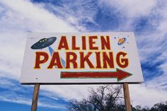 UFO is an unidentified flying object (OVNI), is appear in the sky, which is terrified mysterious phenomenon. UFO sightings are related with alien life and also Ben 10 Alien Force, Soft Grunge, Hipster Grunge, Ufo, Vaporwave, We Heart It, Roswell New Mexico, Pseudo Science, Mad Science