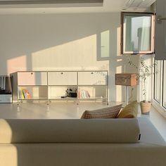 【아파트 인테리어】 화이트 리모델링 끝판왕, 57평 아파트 Before&After : 네이버 포스트 Living Room Lounge, Home Living Room, Dining Rooms, Dream Apartment, Apartment Living, Korean Apartment Interior, Dream Home Design, House Design, H Design