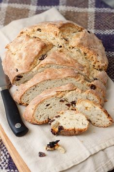 sweet soda bread (via Tide & Thyme)––to try with dried apricots instead of raisins, perhaps with caraway seeds?