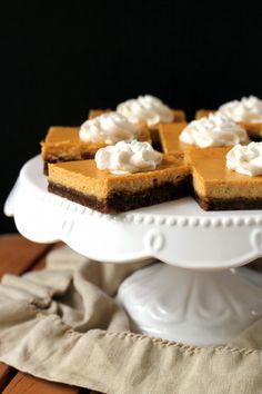 Gingersnap Pumpkin Cheesecake Bars   Bakerita.com