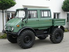 Perfect SUV for everyday life. Lol. Mercedes-Benz Unimog