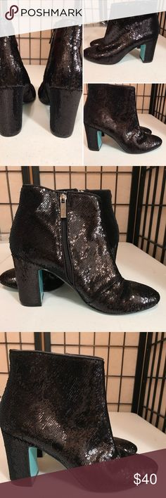 Betsy Johnson Blair Sequin Black Booties Size 8 Blue by Betsy Johnson Blair Sequin Black Ankle Booties Size 8 gently worn the blue soles have some scuffing from walking on pavement. Great used condition Betsey Johnson Shoes Ankle Boots & Booties