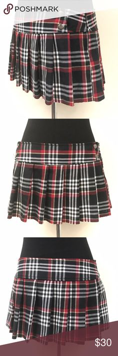 HOT TOPIC LIP SERVICE RED AND BLACK PLAID SKIRT Super cute great condition hot topic lip service red and black plaid schoolgirl skirt size small Lip Service Skirts Mini