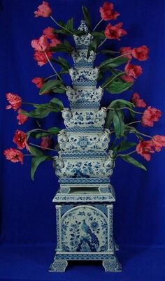 RP: Monumental  Tulip Vase Royal Delft Blue