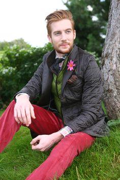 Pantalon velours cotelé framboise, veste matelassée et gilet microfibre. #WicketSoBritish