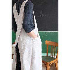 Linen crossback apron.  Tablier Japonais en lin lavé, Le Repère des Belettes