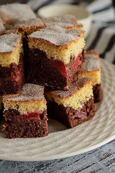 Prajitura cu capsuni si cacao - reteta prajitura - Dulciuri fel de fel Cake Cookies, Cheesecake, Ice Cream, Sweets, Diet, Ethnic Recipes, Desserts, Food, Romania